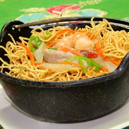 Clay Pot Noodles Soup